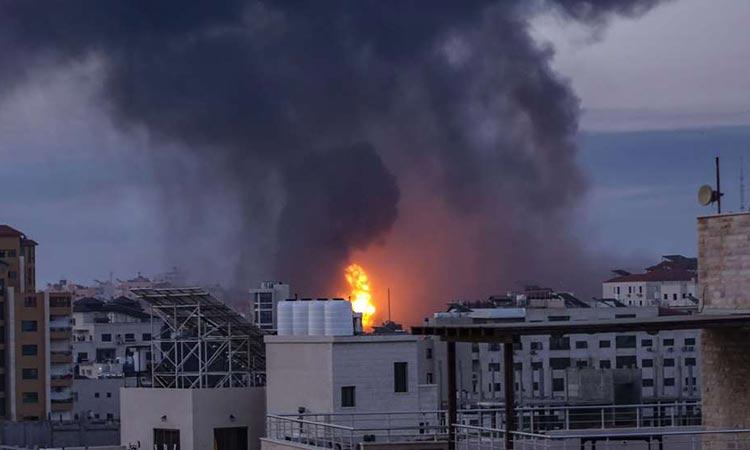 Ισραήλ: «Κόλαση» από πυραύλους και ρουκέτες – Σε κατάσταση «εκτάκτου ανάγκης» στη Λοντ