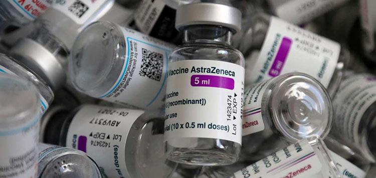 Εμβόλιο AstraZeneca: Τέλος για τους κάτω των 60 ετών – «Ναι» στη δεύτερη δόση