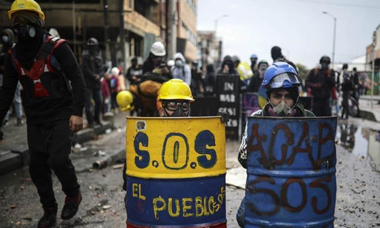 Συνεχίζονται οι αντικυβερνητικές διαδηλώσεις στην Κολομβία
