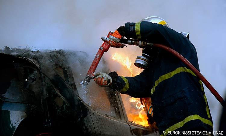 Φωτιά σε εν κινήσει Ι.Χ. αυτοκίνητο στον Χολαργό
