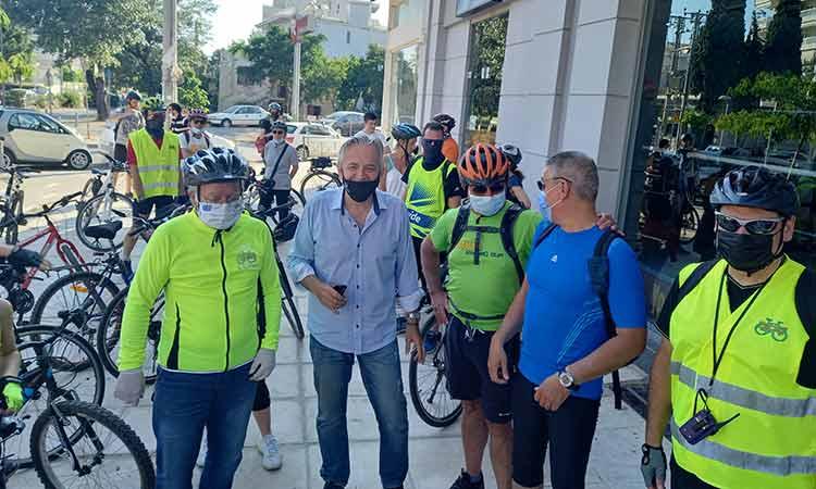 Ο αντιπεριφερειάρχης Μεταφορών και Επικοινωνιών στην ποδηλατάδα της Αγίας Παρασκευής