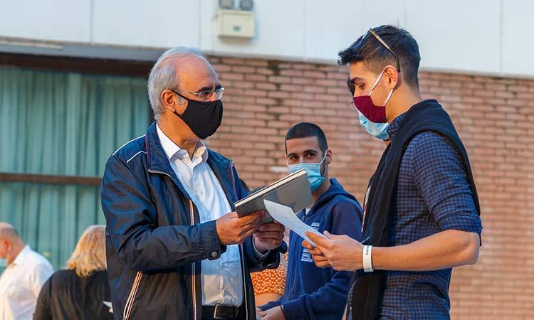245 πρωτοετείς φοιτητές και φοιτήτριες τίμησε ο Δήμος Κηφισιάς
