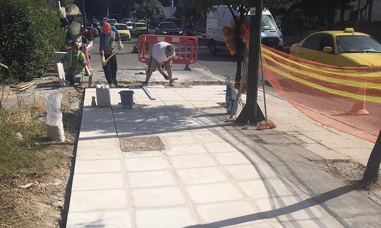 Συνεχίζονται οι αποκαταστάσεις επικίνδυνων σημείων σε πεζοδρόμια στον Δήμο Κηφισιάς