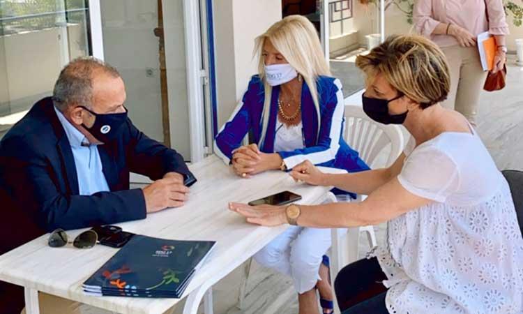 Η εκστρατεία του Δικτύου SDG 17 Greece για τη στήριξη της κακοποιημένης γυναίκας συνεχίστηκε στον Δήμο Ελευσίνας