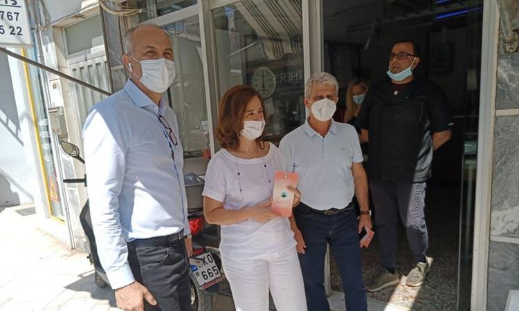 Ενημέρωση πολιτών για το πρόγραμμα κουνουποκτονιών στη Μεταμόρφωση από Στρ. Σαραούδα και Λ. Κεφαλογιάννη
