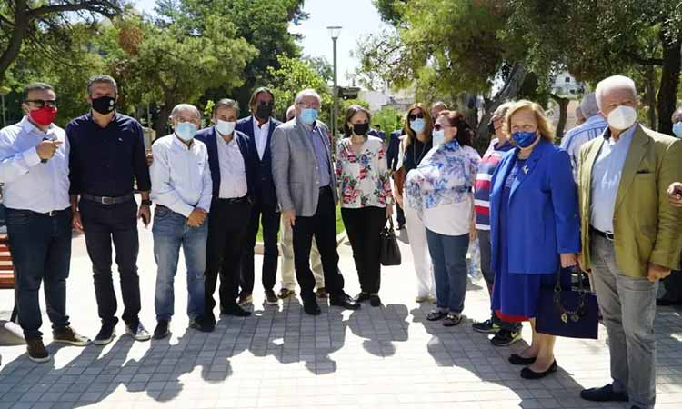 Μ. Διακολιού: Αμπατζόγλου και κουστωδία «εγκαινίασαν» την πολυπληρωμένη πλατεία Ηρώων