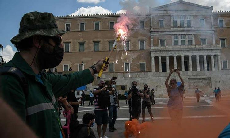 Απεργία για το εργασιακό νομοσχέδιο: Μεγάλη πορεία στο κέντρο της Αθήνας