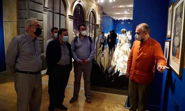 Ξενάγηση της δημοτικής αρχής Αμαρουσίου στην επετειακή έκθεση «1821 πριν και μετά» στο Μουσείο Μπενάκη