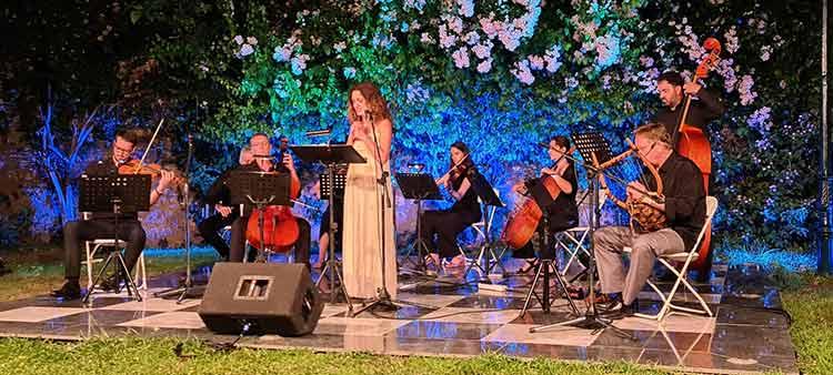 Μοναδική η συναυλία της Συμφωνικής Ορχήστρας Novarte με το σύνολο «Χρυσέα Φόρμιγξ» στον κήπο της Βορέειου