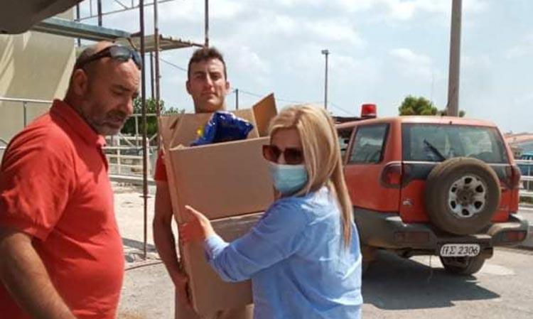 Νέα παράδοση βοήθειας από τον Δήμο Λυκόβρυσης-Πεύκης σε εκείνους που επιχειρούν στο πύρινο μέτωπο στα Βίλια