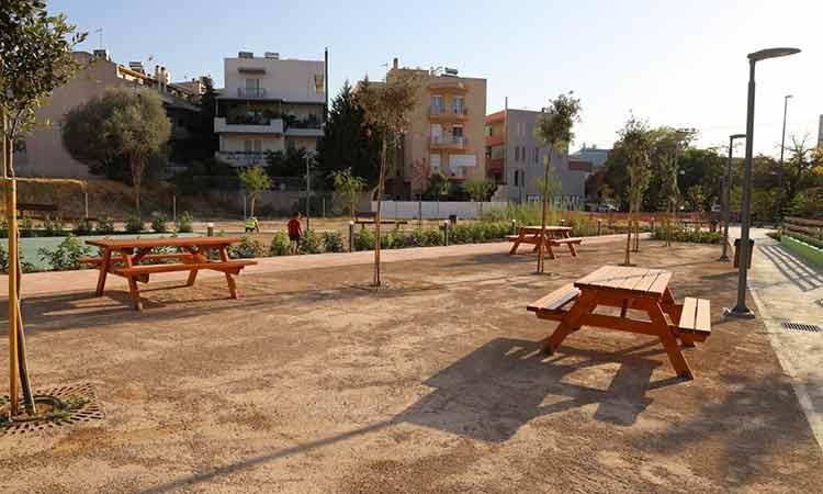 Παραδόθηκε στους πολίτες του Αμαρουσίου η αναπλασμένη πλατεία του κοινόχρηστου χώρου 9760 (οδός Αγ. Αθανασίου – Σωρός)