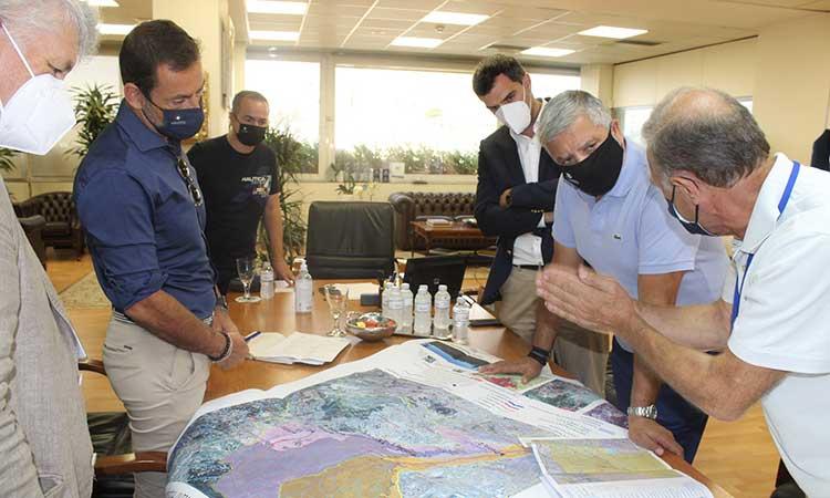 Συνεχίζονται οι συναντήσεις του περιφερειάρχη με στόχο τις αντιπλημμυρικές παρεμβάσεις σε πυρόπληκτες περιοχές