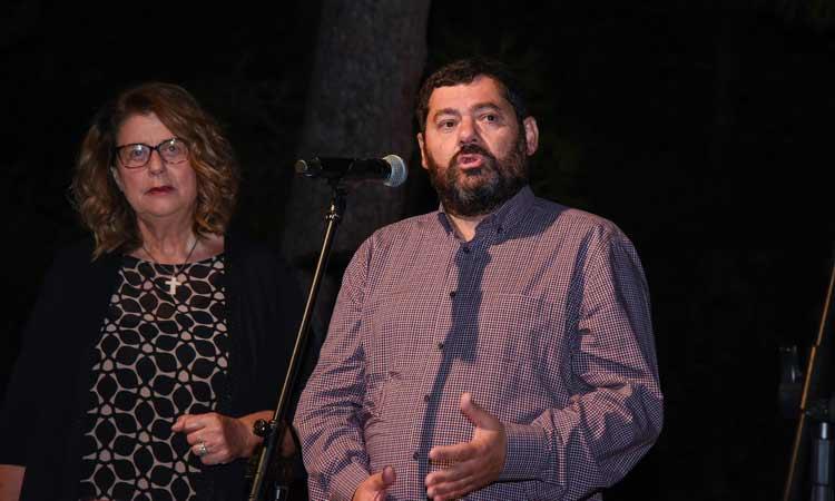 Ο δήμαρχος Λυκόβρυσης-Πεύκης έδωσε το «παρών» σε δύο παραστάσεις στο άλσος Βαρβαρέσου