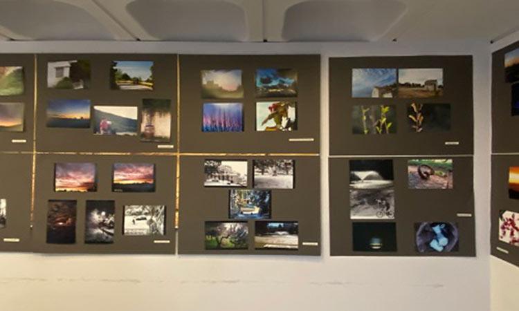 Εγκαινιάστηκε η έκθεση φωτογραφίας με θέμα «Εικόνες και Χρώματα του Προαστίου μας» στον Δήμο Παπάγου-Χολαργού