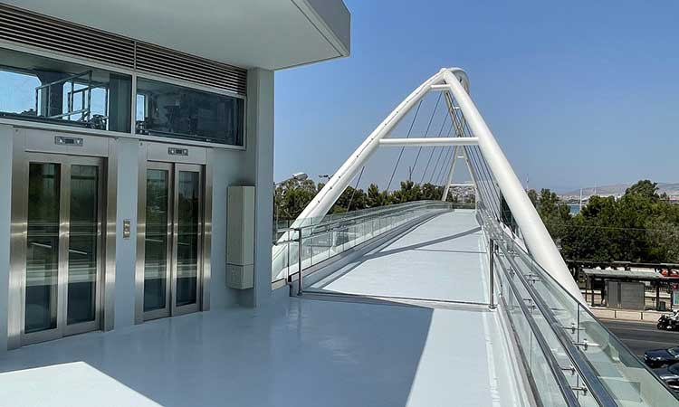 Παραδόθηκε στους πολίτες η νέα σύγχρονη πεζογέφυρα επί της Λ. Ποσειδώνος, στο ύψος του Π. Φαλήρου