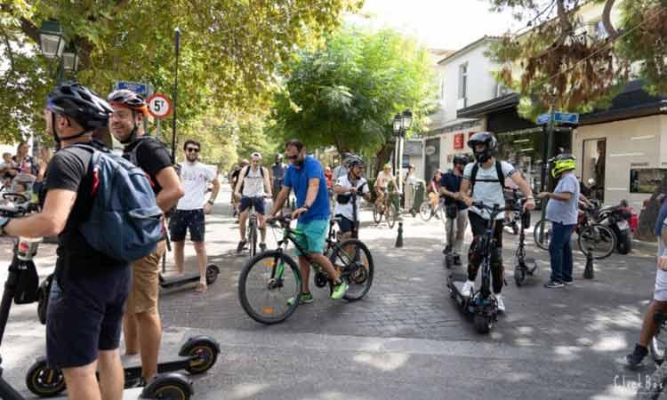 Οι κάτοικοι του Δήμου Κηφισιάς άφησαν τα αυτοκίνητα και περιηγήθηκαν με εναλλακτικά μέσα ήπιας μετακίνησης
