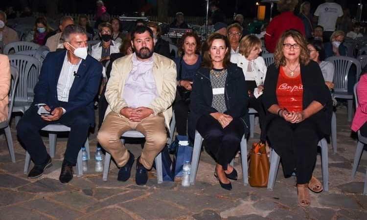 Στη συναυλία του Γιώργου Χατζηνάσιου στις «Βραδιές Πολιτισμού» ο δήμαρχος Λυκόβρυσης-Πεύκης