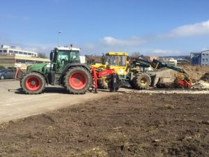 Traktor_und_Stockfräse