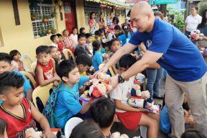 SM Volunteers Bring Joy to San Joseño Kids Through ChriSMiles Program