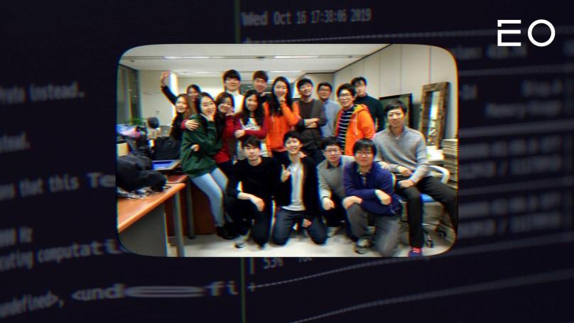 김무궁 개발자가 이전에 창업한 OGQ 직원 단체 사진