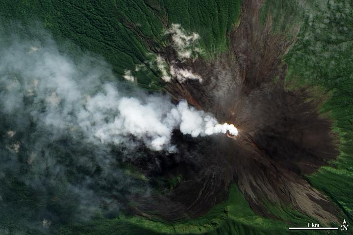 Monte Ulawun - Papua Nueva Guinea - Foto: www.nasa.gov