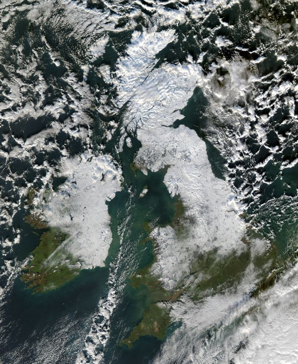 Snow in Great Britain and Ireland : Natural Hazards