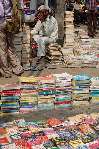 Books bought by the kilo, sold by the rupee. Probably about a mile of books along the street for sale. If you ever need any outdated calculus and basic programming books, I know where you can go!