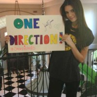 Kendall Jenner Tries to Win One Direction Concert Tickets on Twitter
