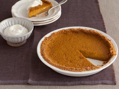 fn-thanksgiving-2010_bobbys-pumpkin-pie_s4x3-jpg-rend-sni12col-landscape