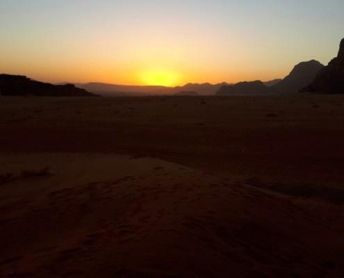 alba nel Wadi Rum