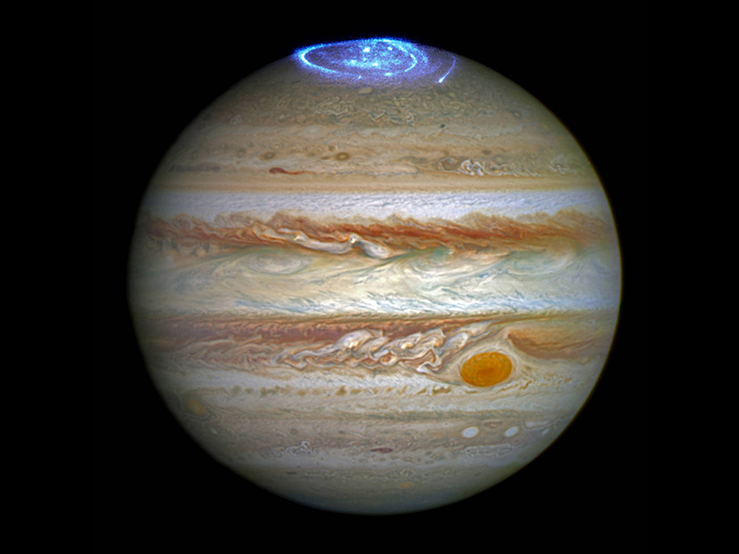 Jupiter-auroras-plasma-magnetic-field-interaction