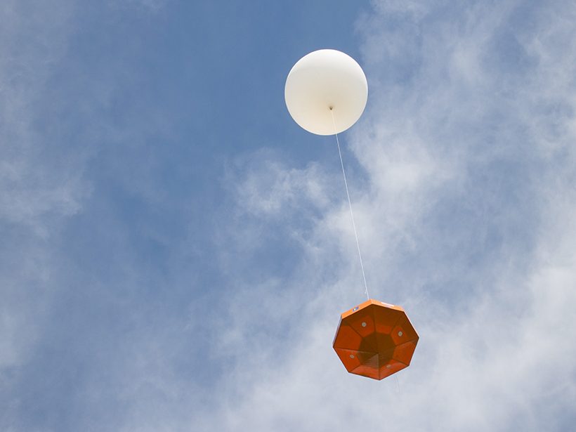 A Project SMART stratospheric balloon launch with a payload designed by students