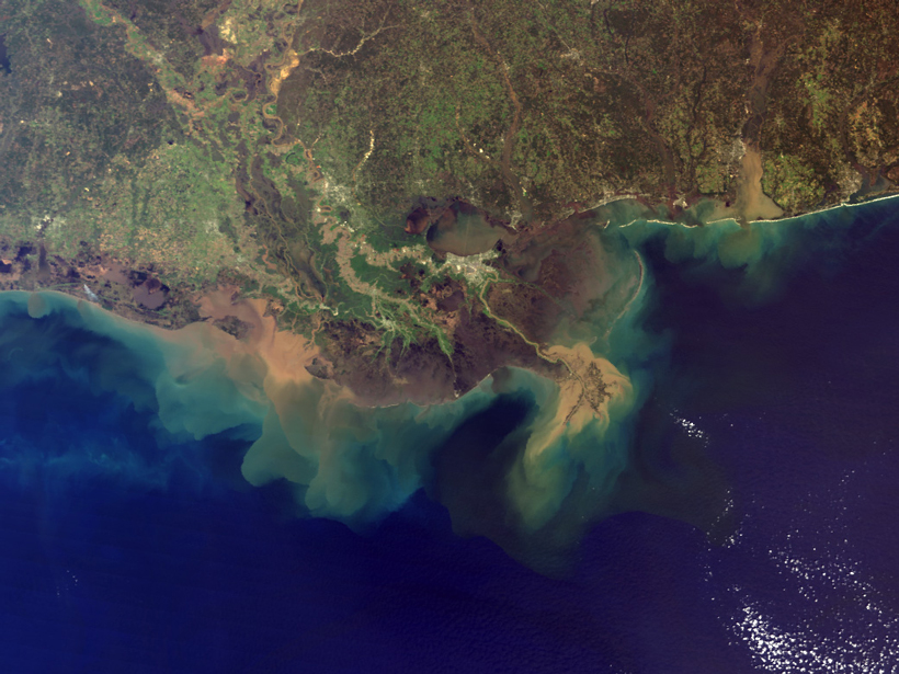 Researchers examine what amount of a river's nutrient supply reaches the ocean.