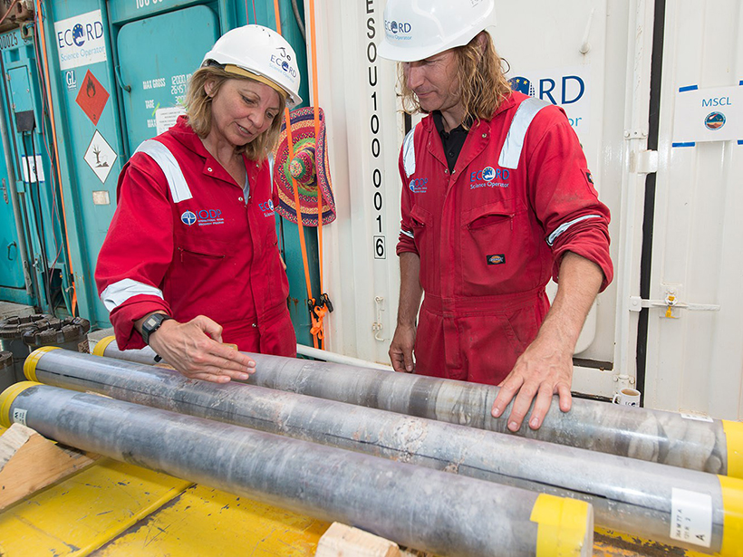 Joanna Morgan and Sean Gulick, lead scientists of the recent Chicxulub drilling expedition.