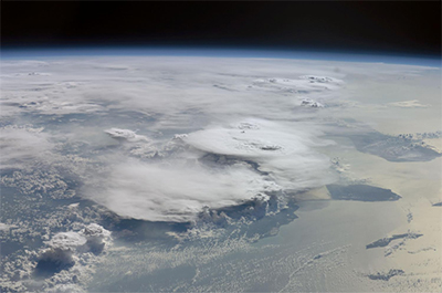Madden-Julien oscillation with cumulonimbus clouds