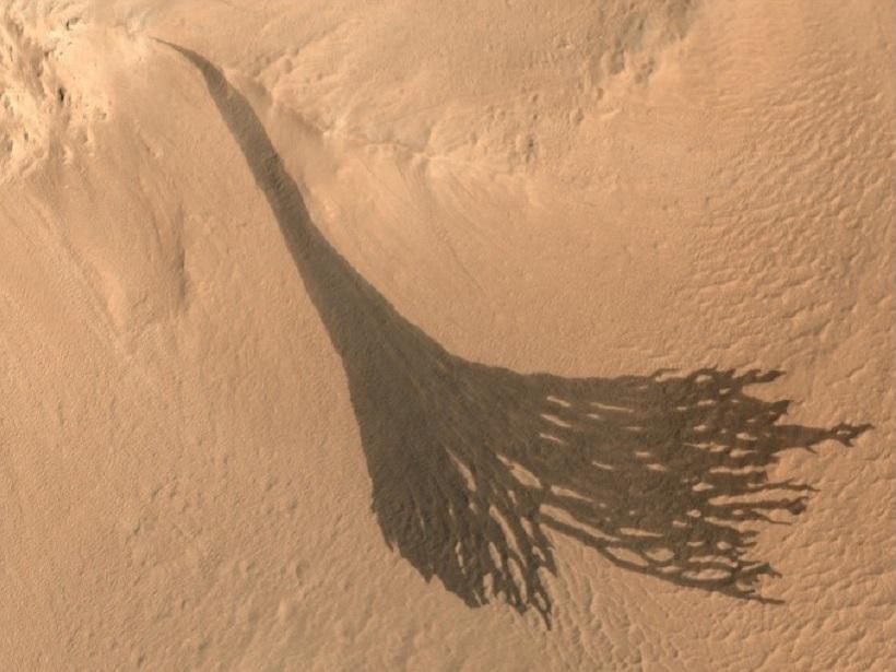Slope streaks on Mars