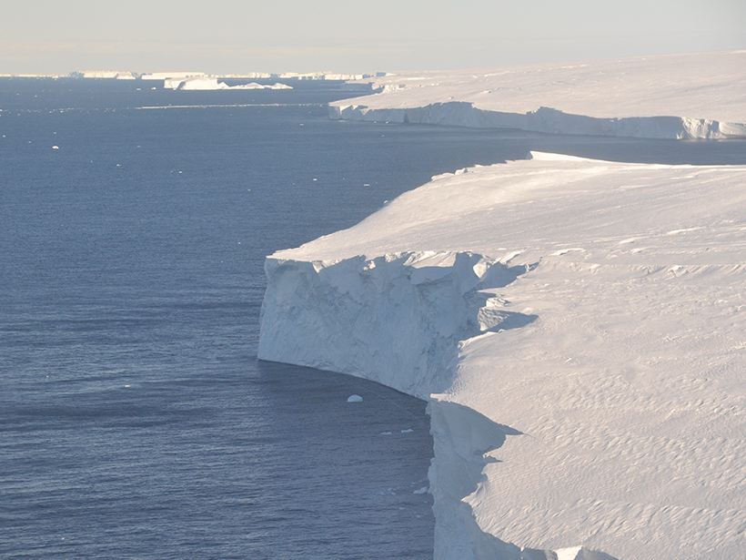 Large ice sheet on the right; water on the left