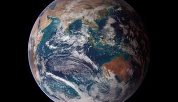 Imagen satelital del hemisferio este de la Tierra.