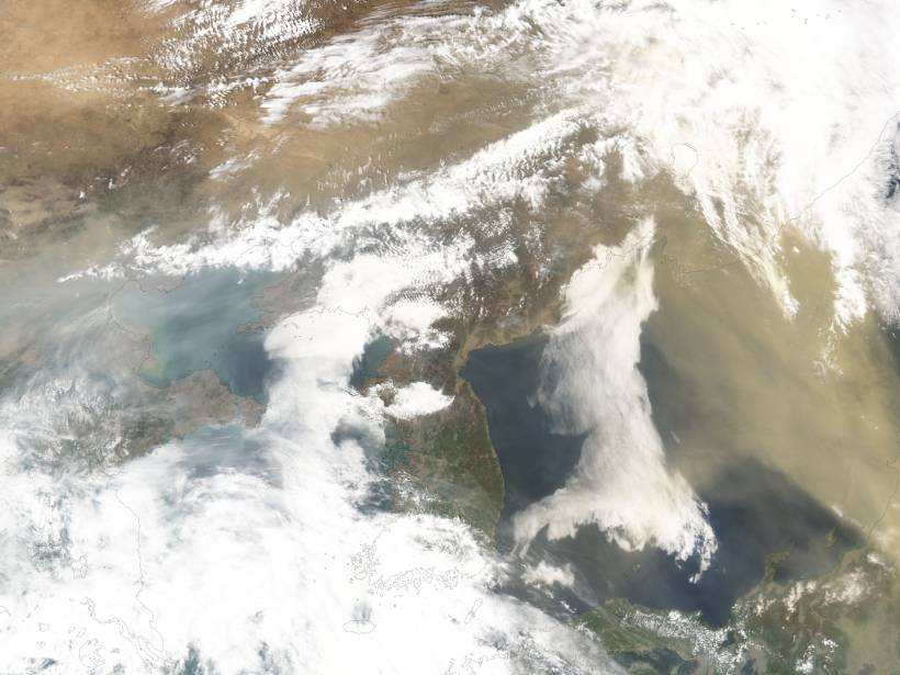 Satellite image of dust carried from China into the north Pacific