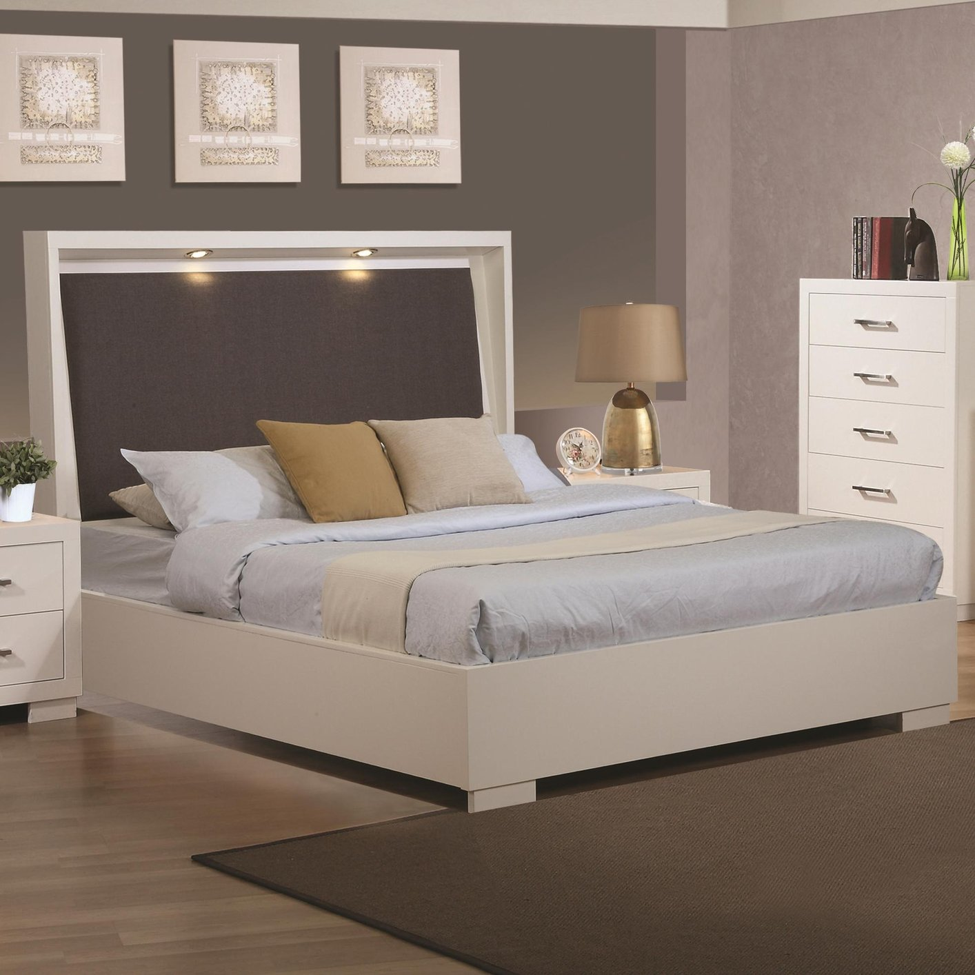 Coaster Kw White California King Size Wood Bed