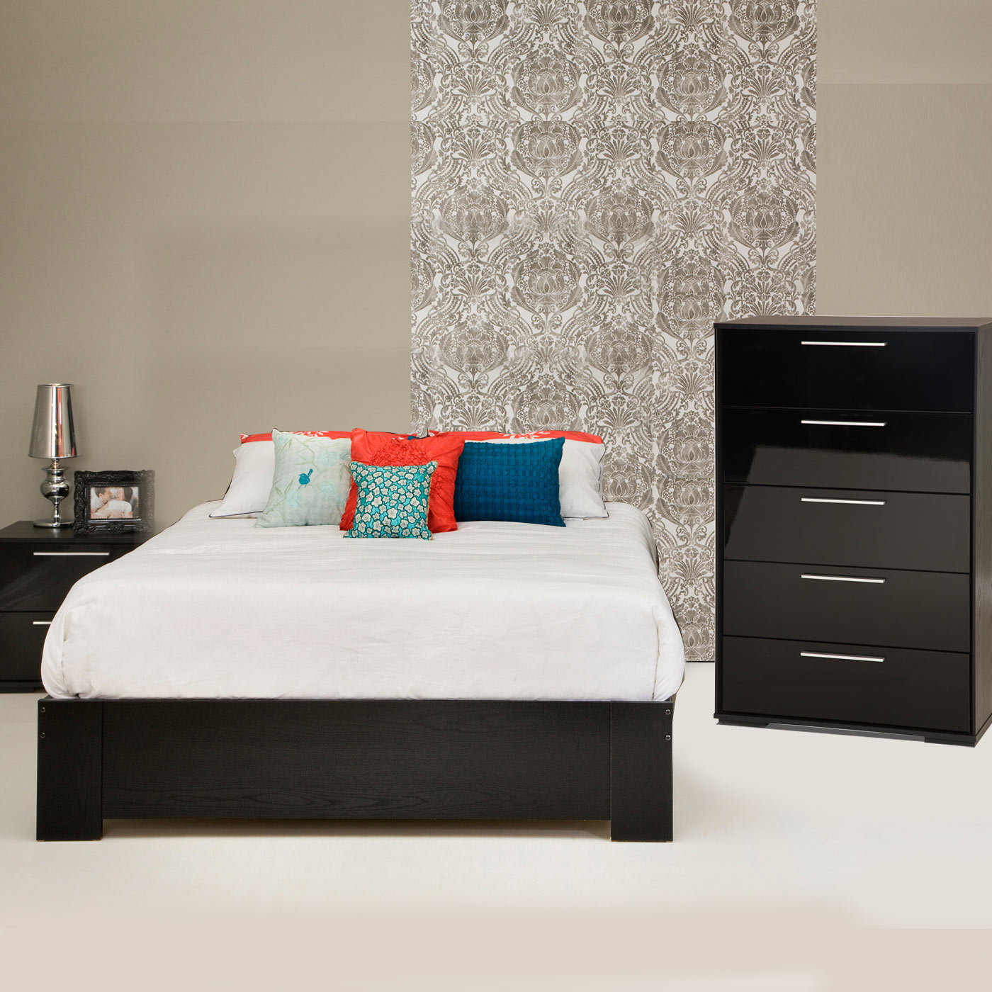 Southshore Mikka 3 Piece Bedroom Set Flexible Queen Platform Bed Mikka 5 Drawer Chest And Nightstand In Black Oak