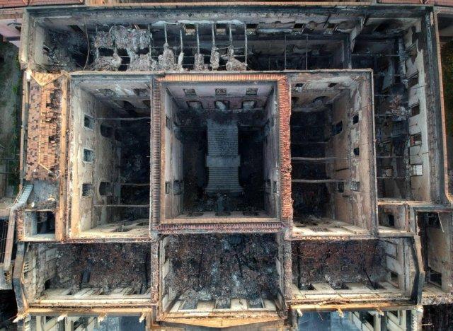 Vista aérea del Museo Nacional de Río de Jainero, calcinado por las llamas tras el incendio del pasado domingo.