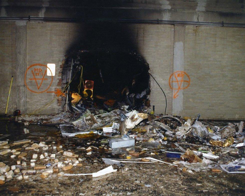Imagen de los daños ocasionados en una pared interior después de que el vuelo 77 de American Airlines impactase contra las instalaciones del Pentágono.