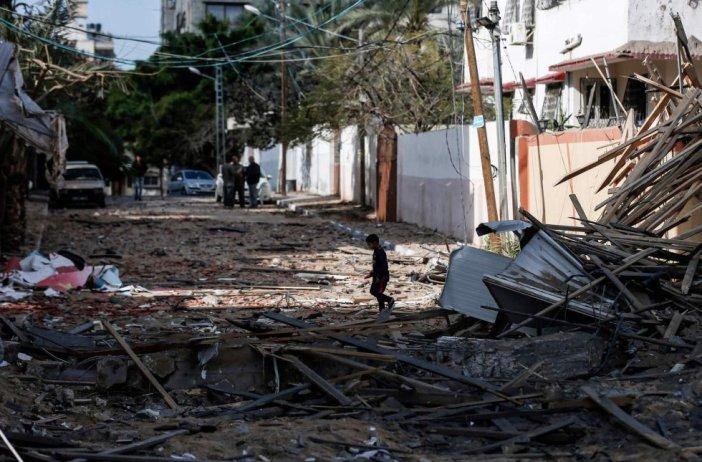 Después de haber registrado tres guerras con Israel en el último decenio, la franja de Gaza se encuentra en bancarrota y con sus servicios básicos (electricidad, agua...) prácticamente inutilizados.