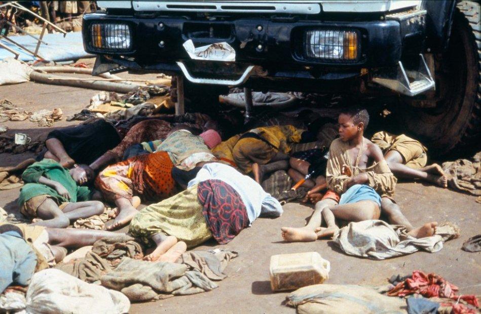 En 22 de abril de 1995, 10 meses después del final del genocidio, mas de 5.000 refugiados hutus fueron asesinados en el campo de refugiados de Kibeho, en lo que se conoce como la mayor matanza ocurrida en Ruanda desde el final de la guerra civil que acabó con la vida de un millón de personas.