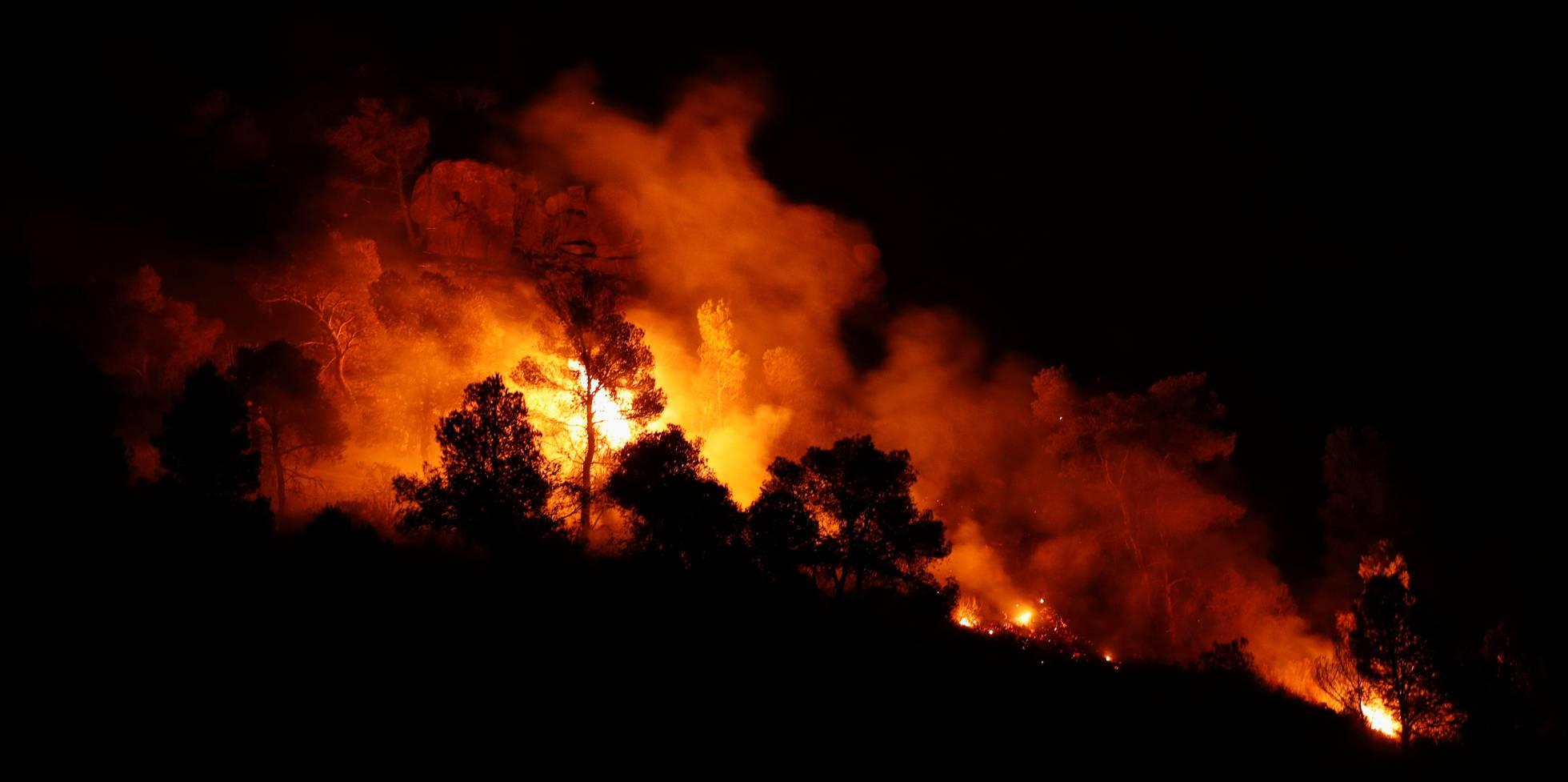 L'incendi forestal a Tarragona, en imatges