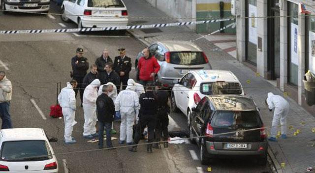 Resultado de imagen de ambulancia muerta en españa