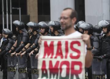 """Juiz solta manifestantes: """"Brasil não pode legitimar 'prisão para averiguação"""""""