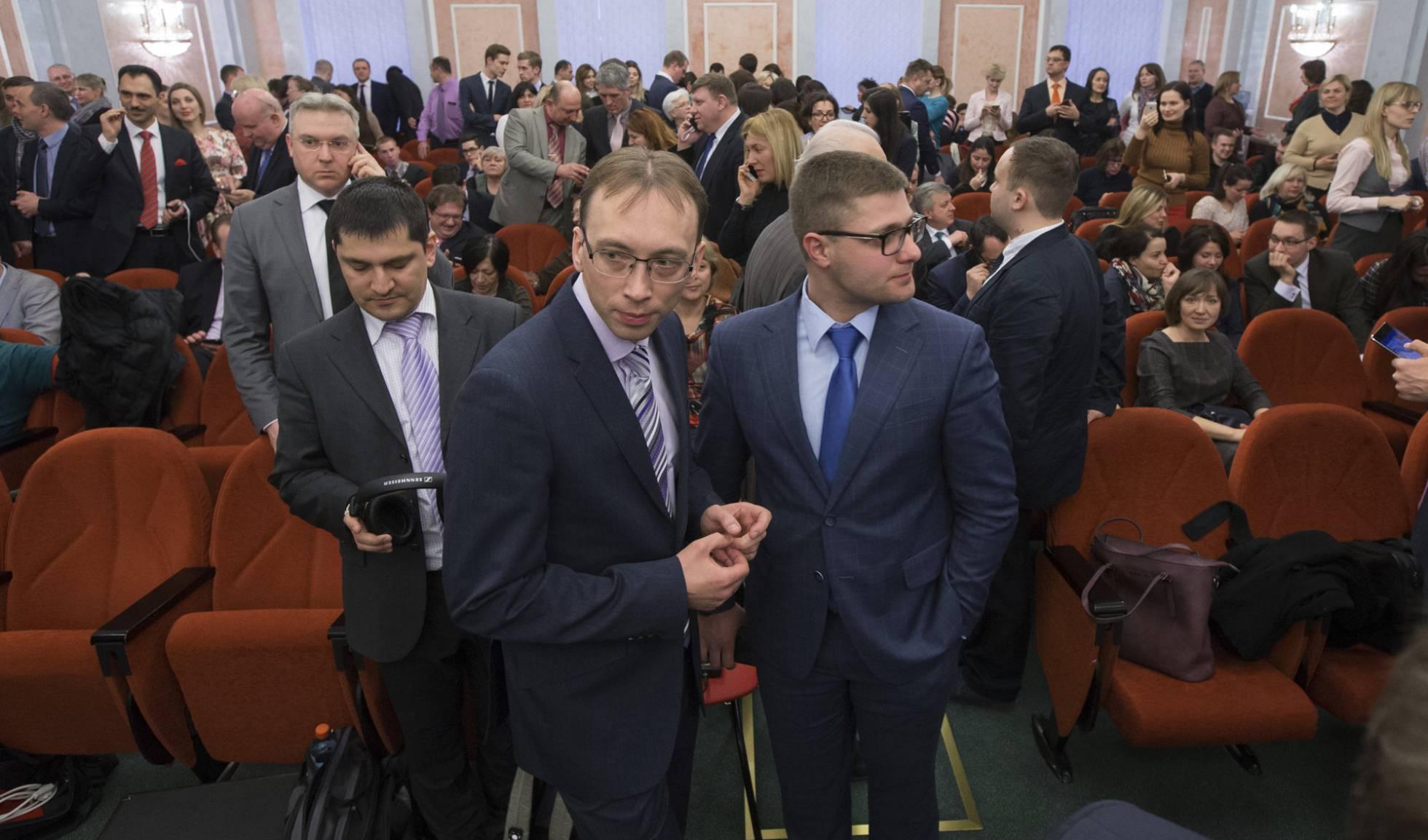 Testemunhas de Jeová esperavam na quinta-feira sentença do Supremo Tribunal russo. Ivan Sekretarev AP