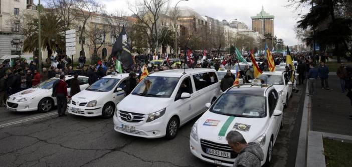 Manifestación de taxistas contra Uber el pasado mes de febrero en Madrid.